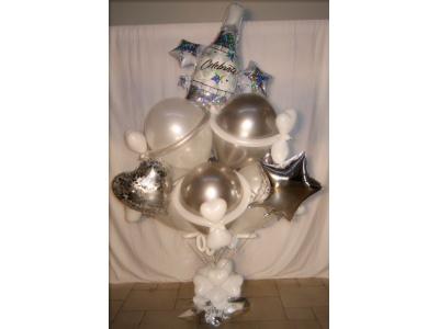 Новогодний подарок из шаров